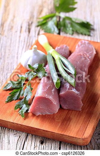 Lomo de cerdo crudo - csp6126326