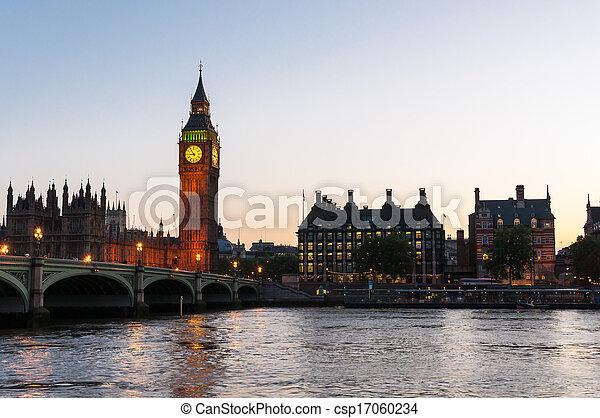 London at dusk - csp17060234