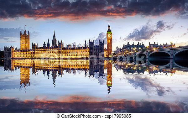 London - csp17995085