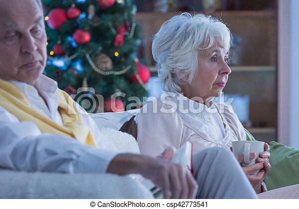 Lonely elderly couple - csp42773541