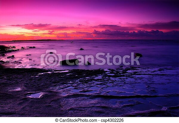 long reef purple sunrise sunrise at long reef of sydney stock rh canstockphoto ca Beach Clip Art Ocean Clip Art