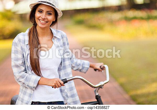 lovaglás, nő, fiatal, bicikli, szabadban - csp14358827
