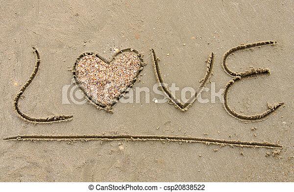 """""""amor"""" escrito en la playa arenosa - csp20838522"""