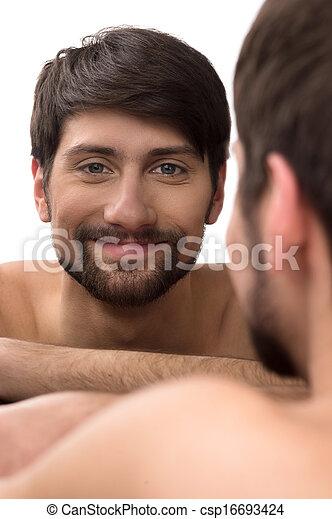 lui-même, jeune regarder, miroir, sourire, miroir., homme - csp16693424