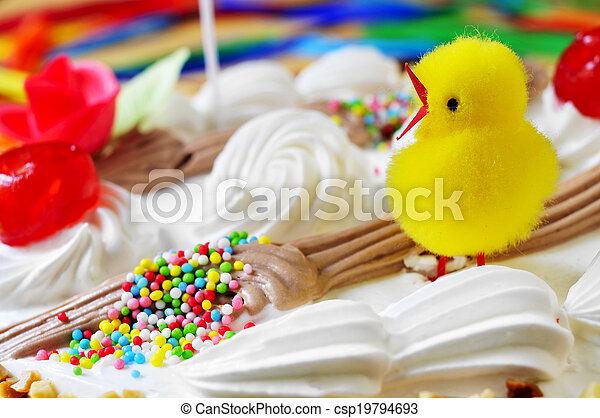 lunes, teddy, de, pascua, adornado, comido, polluelo, pastel, primer plano, pascua, españa, mona - csp19794693