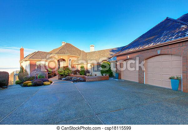 Luxury brick house - csp18115599