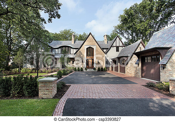 Luxury Home With Four Car Garage   Csp3393827