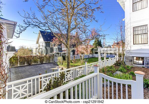 Luxury house with backyard garden - csp21291842