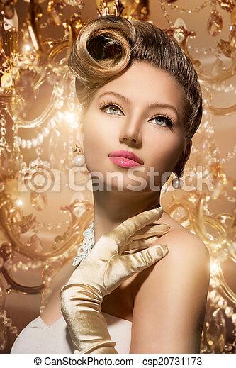 Luxury Styled Beauty Lady Portrait. Retro Woman - csp20731173