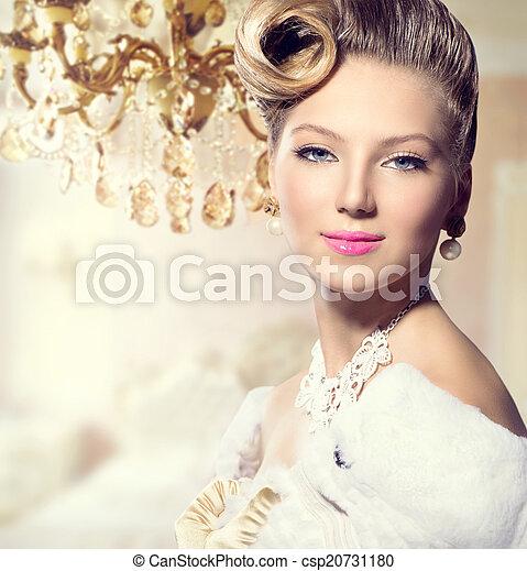 Luxury Styled Beauty Lady Portrait. Retro Woman - csp20731180