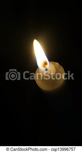 Luz de velas - csp13996757