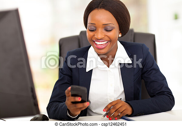 lycklig, amerikan, busniesswoman, afrikansk - csp12462451