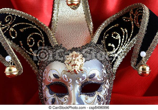 Máscara en rojo - csp8496996