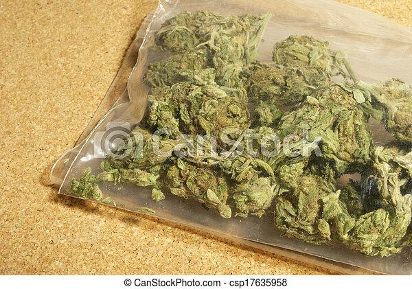 médico, marijuana - csp17635958