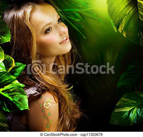 m�dchen, grüner wald, schöne , mystisch - csp11353679