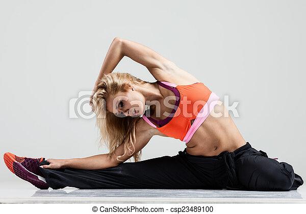 Estirando los músculos - csp23489100