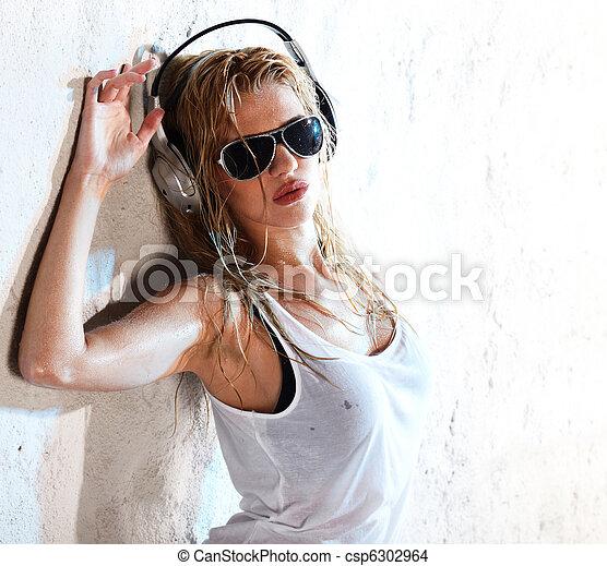 música, molhados - csp6302964