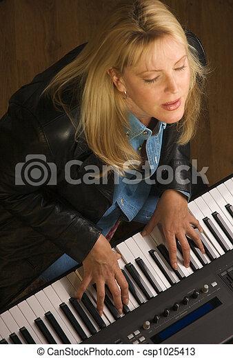 músico, hembra, se realiza - csp1025413