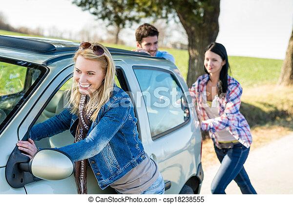 műszaki, autó, rámenős, fiatal, balsiker, barátok, út - csp18238555