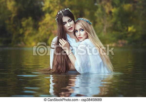 nasse lesbische wasser