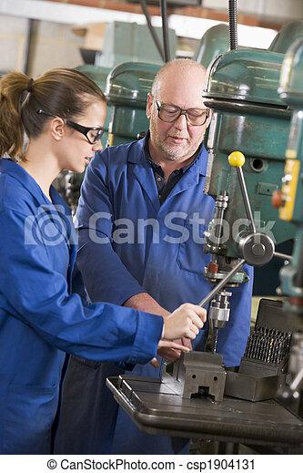 machine, deux, fonctionnement, machinistes - csp1904131