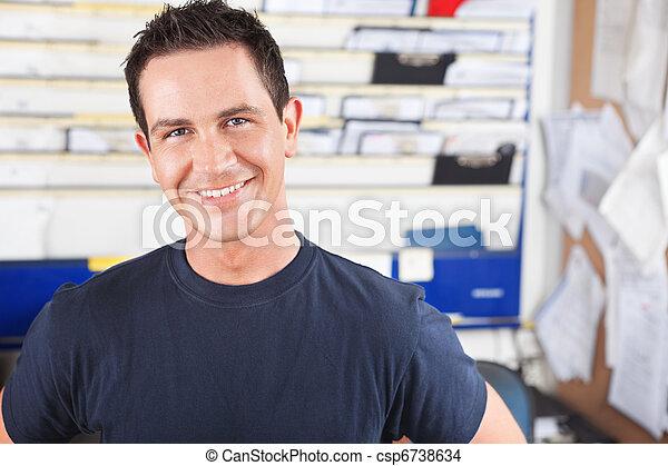 macho, mecânico, feliz - csp6738634