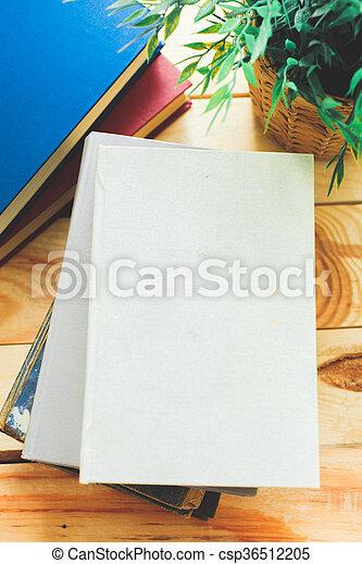 madeira, livros, escrivaninha - csp36512205