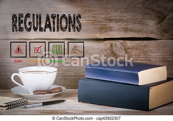 madeira, regulations., livros, pilha, escrivaninha - csp43922307