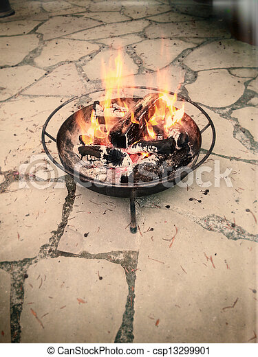 Madera quemada - csp13299901