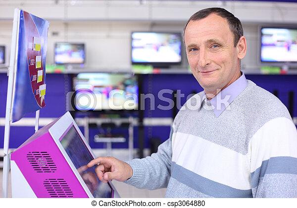 magasin, information, écran, homme âgé - csp3064880
