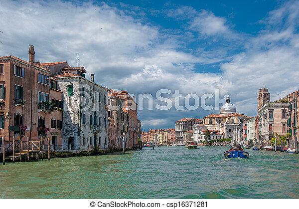 Gran canal, Venecia, Italia - csp16371281