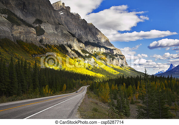 Magnificent American road. The landscape - csp5287714