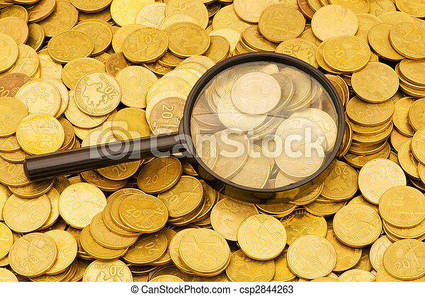 Magnifying glass and lots of gold coins - csp2844263