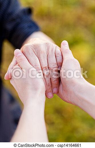 mains, personnes agées - csp14164661
