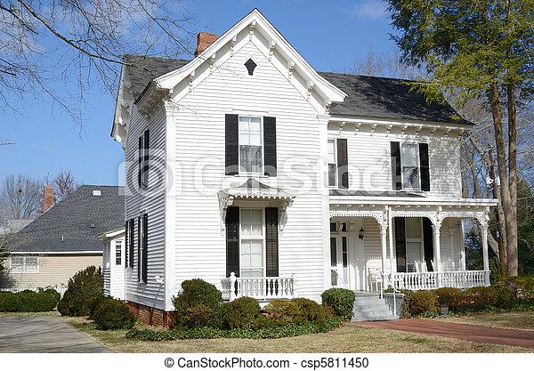 maison, antebellum - csp5811450
