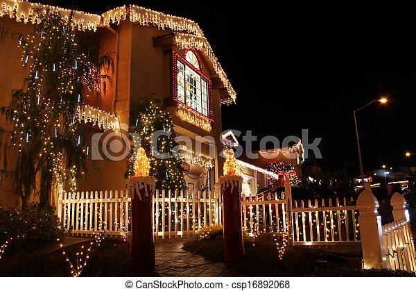 maison, décoré, noël allume - csp16892068