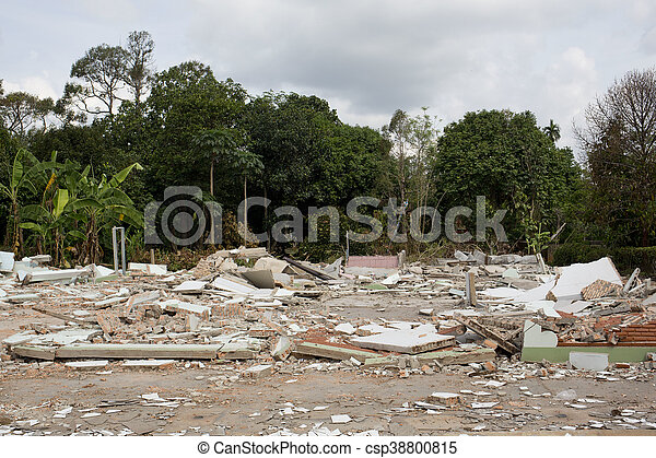 maison, destruction - csp38800815