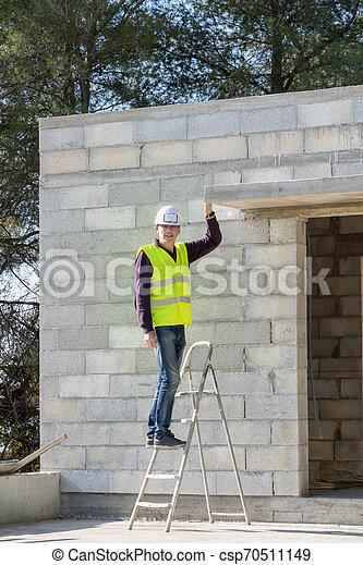 maison, engrenage, directeur, construction, sécurité, sous, échelle - csp70511149
