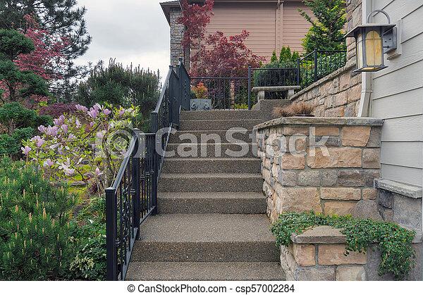 maison, entrée, étapes, escalier, béton - csp57002284