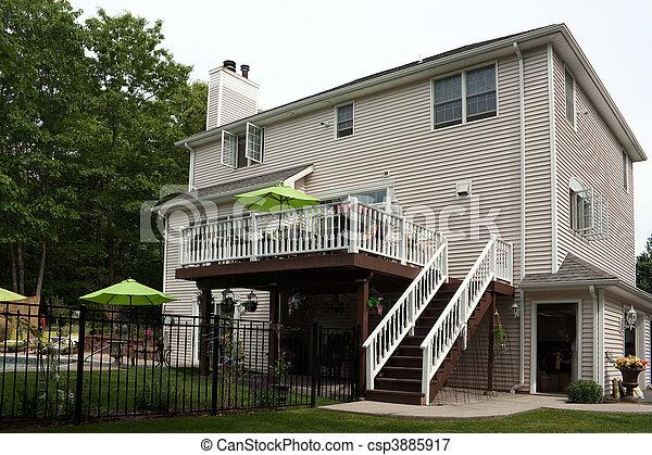 maison luxe, arrière-cour - csp3885917