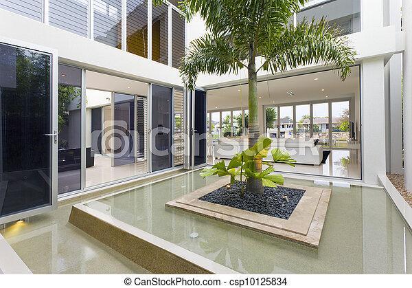 maison luxe int rieur arbre paume maison luxe fontaine photos de stock rechercher des. Black Bedroom Furniture Sets. Home Design Ideas