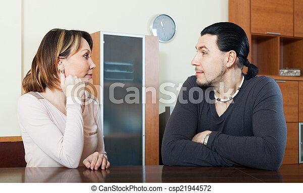 maison, ordinaire, couple parler - csp21944572