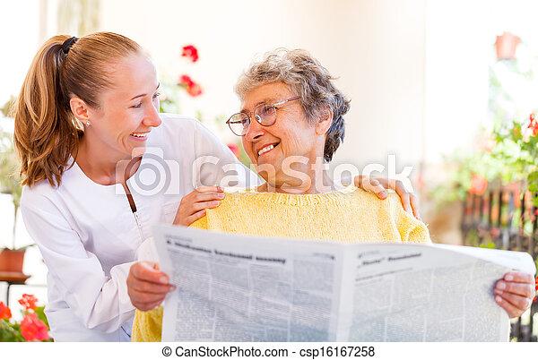 maison, personnes âgées soucient - csp16167258