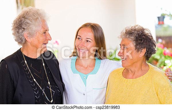 maison, personnes âgées soucient - csp23819983