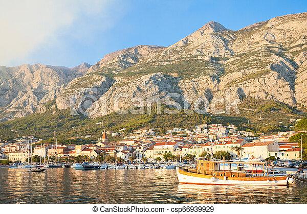 makarska, altes , porto , dalmatien, -, traditionelle , kroatien, fischerei, makarska, boot - csp66939929
