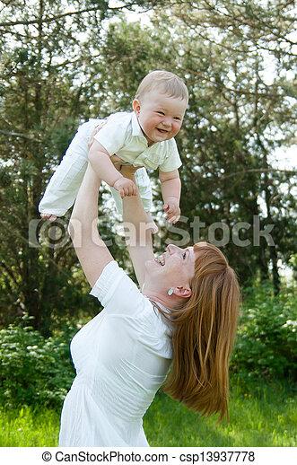 mama, baby, spiele - csp13937778