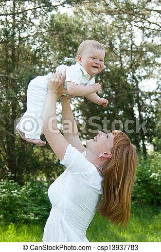 mama, baby, spiele - csp13937783