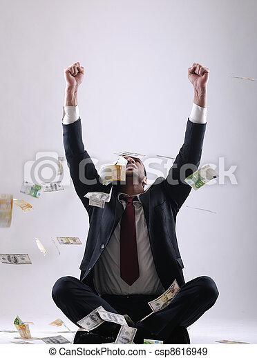 man, hållande pengar, affär - csp8616949