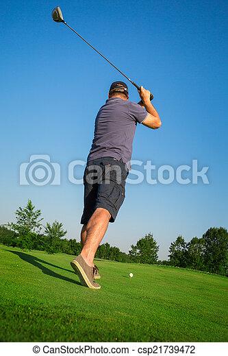 Man playing golf - csp21739472