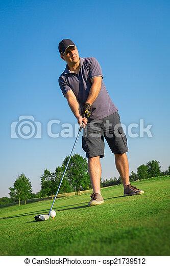 Man playing golf - csp21739512